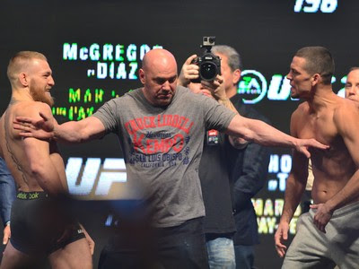 Conor McGregor Nate Diaz UFC 196 pesagem (Foto: Jason Silva)
