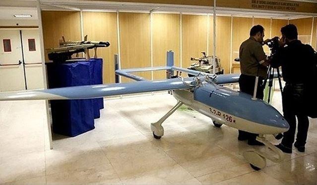 Drone alta tecnología de Irán, Ababil-3 (Swallow-3), es capaz de volar a una velocidad máxima de 200 kilómetros por hora y cuenta con una capacidad de visión nocturna, lo que le permite tomar imágenes y material de archivo, ya que está volando sobre las metas de día y noche . El zumbido tiene una autonomía de vuelo de 100 kilómetros y una velocidad máxima de 200 kilómetros por hora.