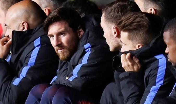 Messi esperando entrar al juego / Foto EFE