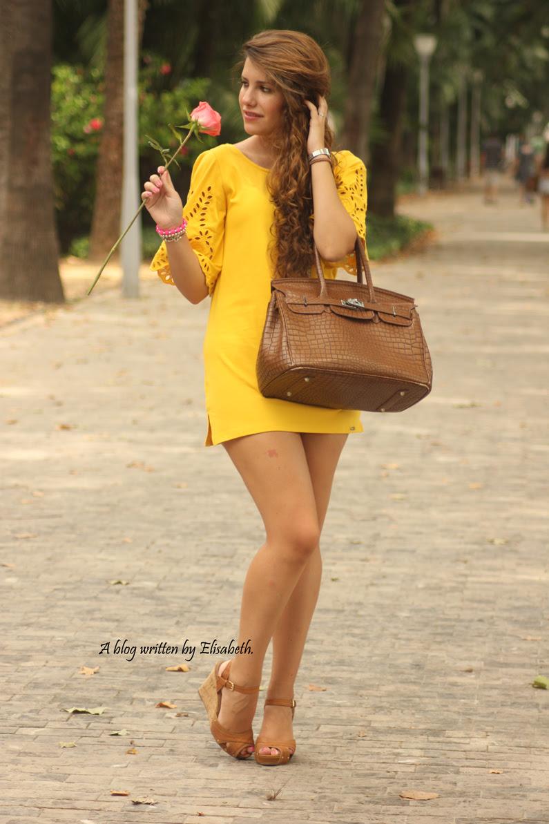 Vestido-amarillo-cuñas-XTI-heelsandroses-(4)