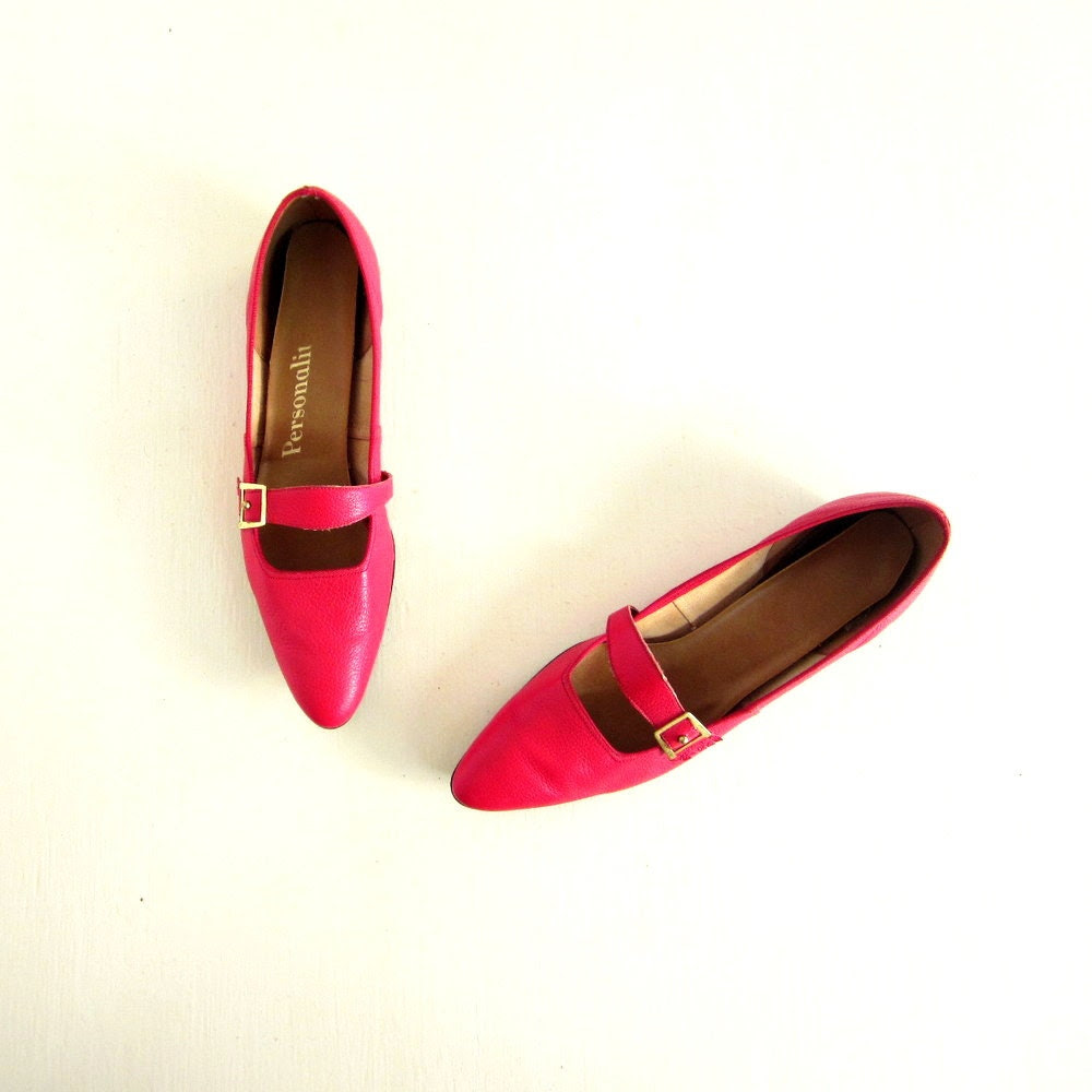 Vintage 1950s Shoes / Red Flats / 50s Shoes / Ruby Red Skimmers / Size 8.5 - SmallEarthVintage