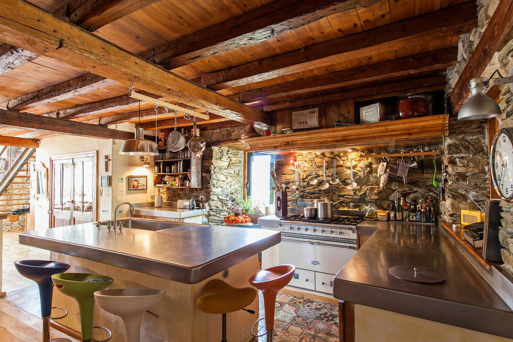 Decordemon A Renovated Farm House In The Spanish Pyrenees