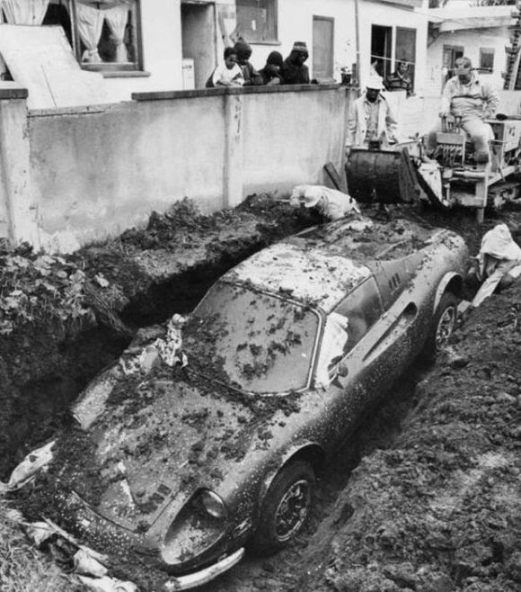 buried-ferrari-2