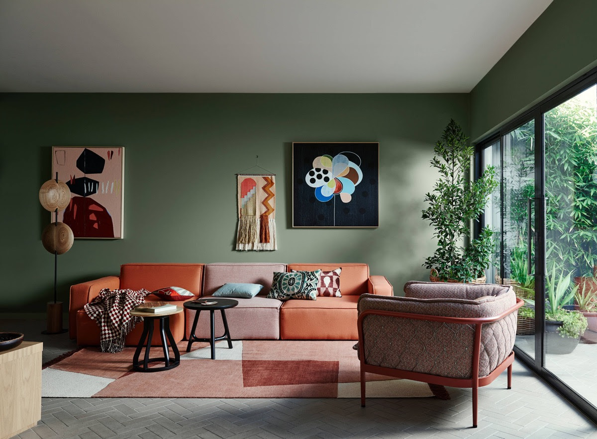 18 Gorgeous Green Living Rooms And Tips For Accessorizing Them