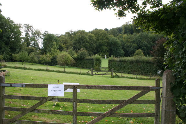 File:Gilbert White's garden, Selborne, Hampshire - geograph.org.uk - 546577.jpg