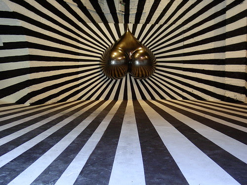 black and white jesus illusion.  a dis-orientating ultra-perspective black and white illusion room with a
