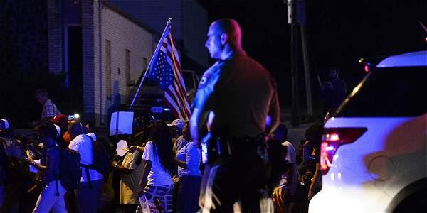 Continúa el caos en Misuri por polémica muerte de joven negro