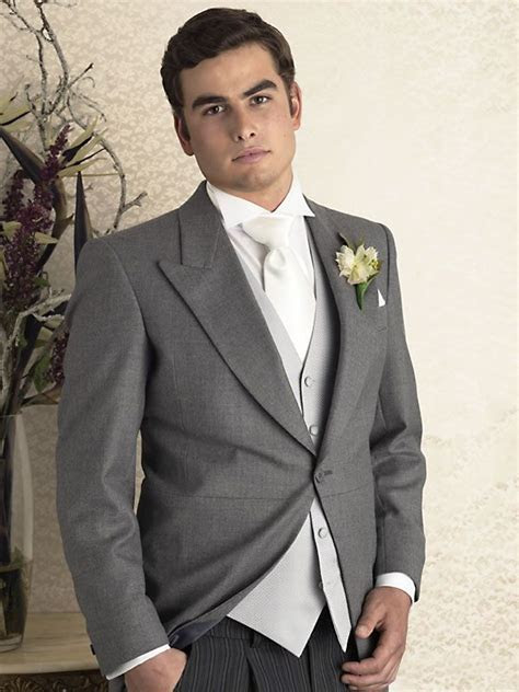 grey tux  I love the grey for the groomsment   Wedding