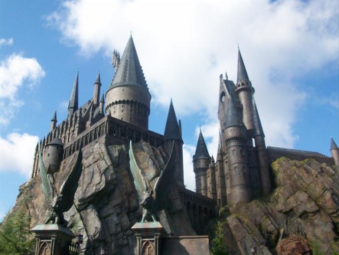 File:Hogwarts at Wizarding World.JPG
