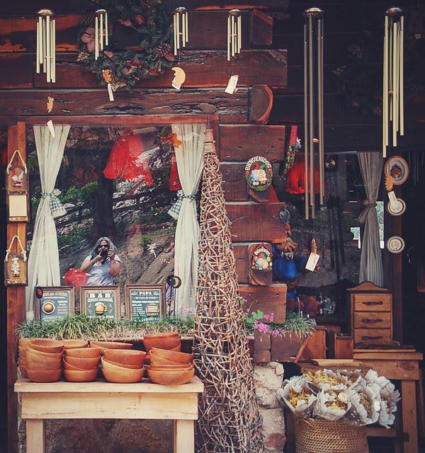 Cantavientos, flores, cacharros, brujitas y duendes del bosque | pic in comment