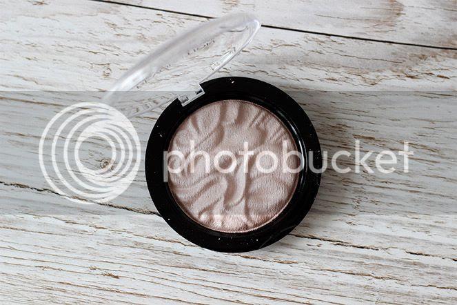 pink makeup revolution highlight strobe