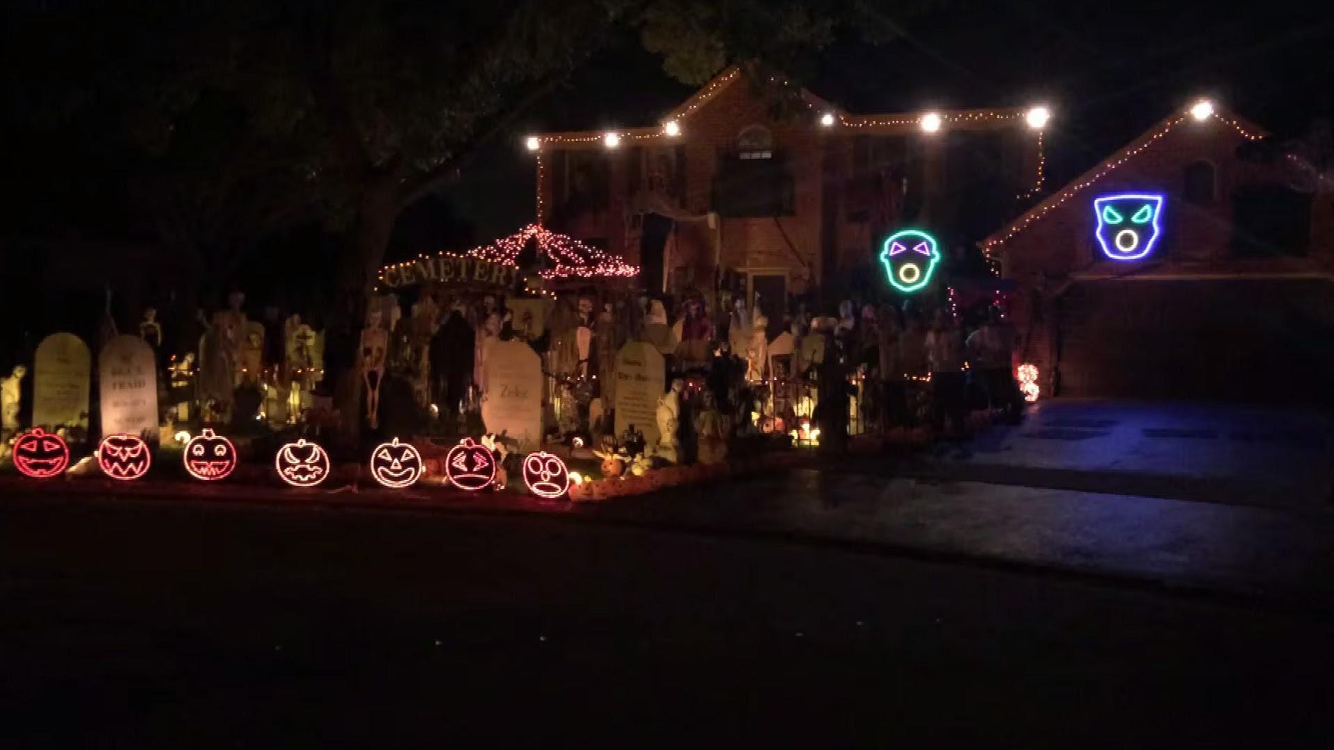 Honkey-Tonk Halloween Lights go Creepin