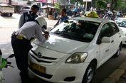 Keseringan Ditilang, Sopir Taksi Ini Menangis