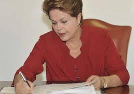 Dos 92 decretos publicados  no Diário Oficial do dia 27-12-2013, 15 são do Maranhão