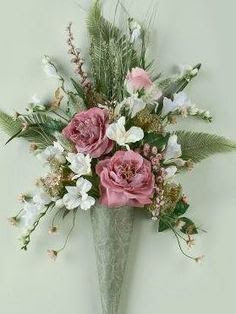 Spring Wall & Wreath Arrangements on Pinterest