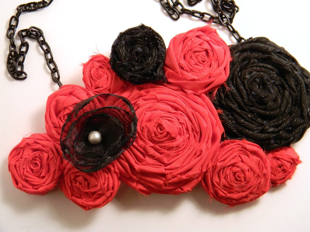 Black Red Silver Fabric Rolled Rosette Singed Flower Statement Necklace Adjustable Chain Closure