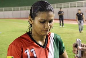 Cassandra, atacante da Assermurb futebol feminino (Foto: Duaine Rodrigues)