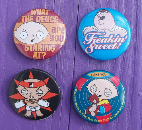 101_6519 Family Guy buttons