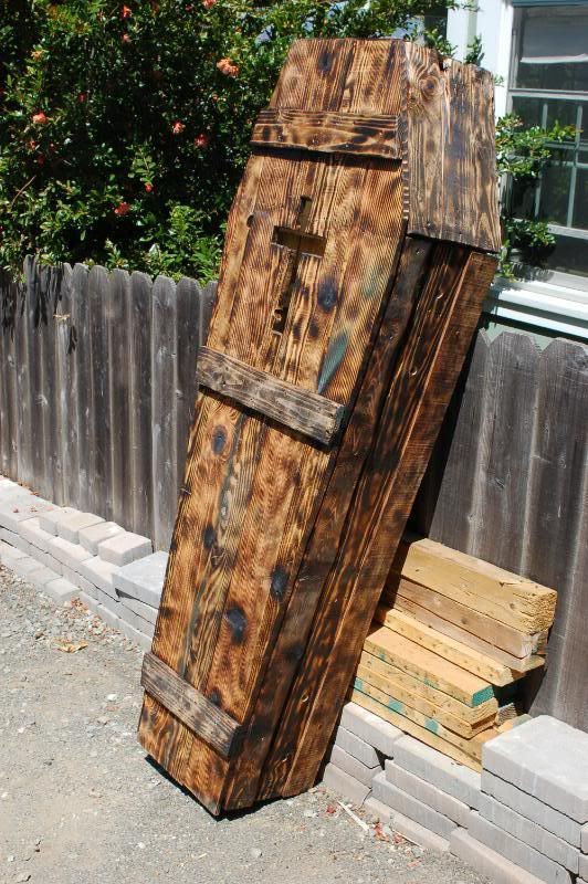 Repurpose old pallets into a coffin!