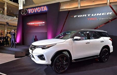 toyota fortuner facelift interior