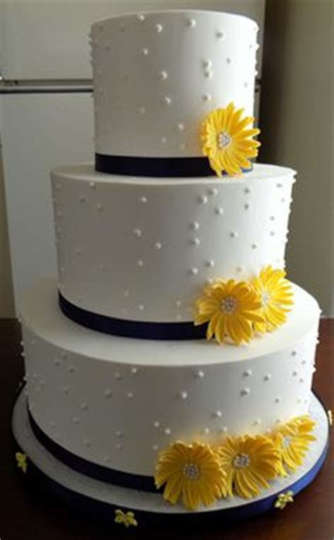 1000  images about Buttercream Wedding CAkes on Pinterest