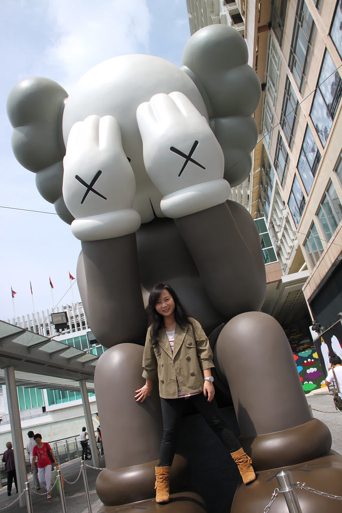 海港城 KAWS Passing Through