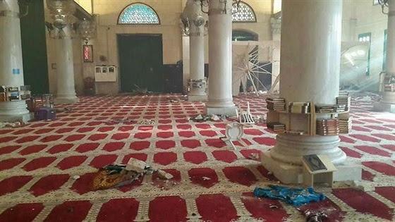 benterok Masjid al Aqsha tgl 26-07 - kerusakan di bag dalam Masjid
