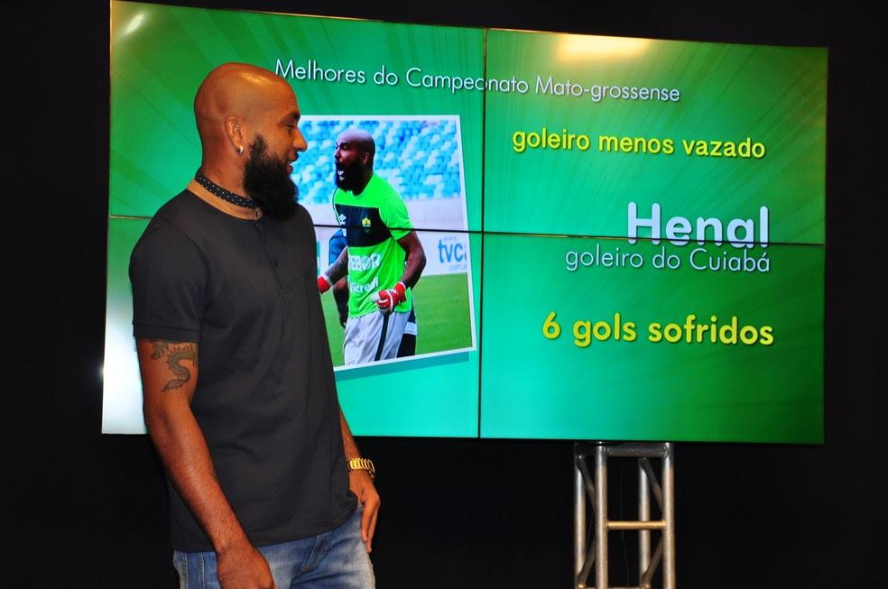Goleiro Henal menos vazado do Mato-Grossense (Foto: Robson Boamorte)