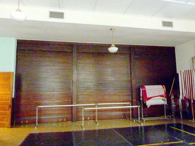 P1080486-2011-03-12-Inman-Park-Methodist-Roll-Up-Doors