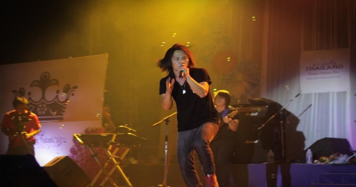 laib laus Live In Miss Hmong Thailand 2012 by laib laus Band http://dlvr.it/P0sw5f https://goo.gl/5ZS0NX