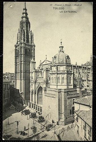 Catedral de Toledo en 1908 aún con el Cimborrio antes de ser demolido en 1910. Foto Hauser y Menet