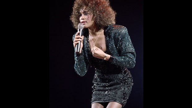 Show de Whitney Houston em Paris, em 1988 (Foto: AFP)