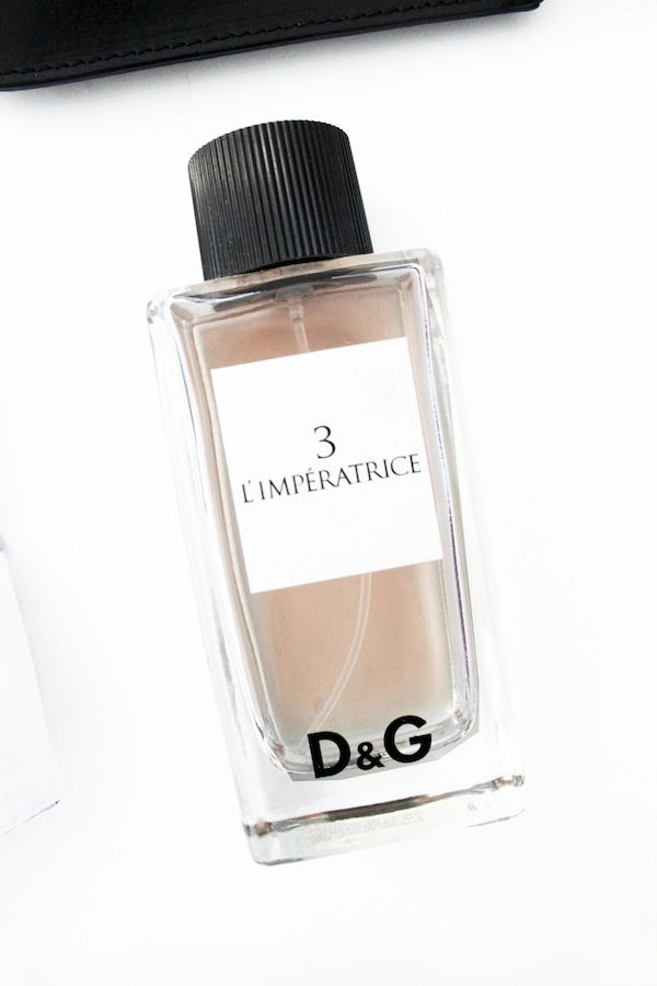 Le Fashion Blog DG Limperatrice Perfume Best Spring Summer Fragrance