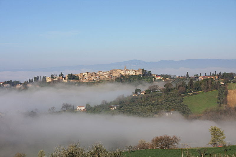 File:View of Collevecchio Sabine's hills throuth the fog.JPG