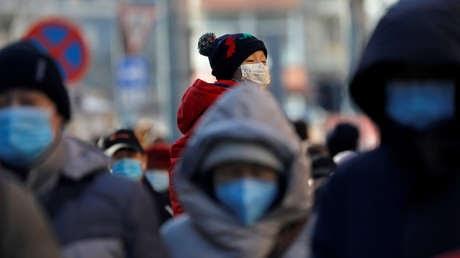 """""""La pandemia probablemente fue causada por brotes separados en varios lugares y China fue el primer país en reportar los casos"""""""