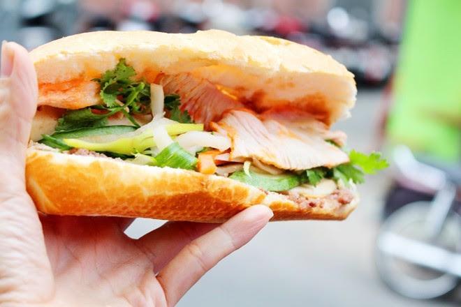 9 xe bánh mì trứ danh của Sài Gòn 2