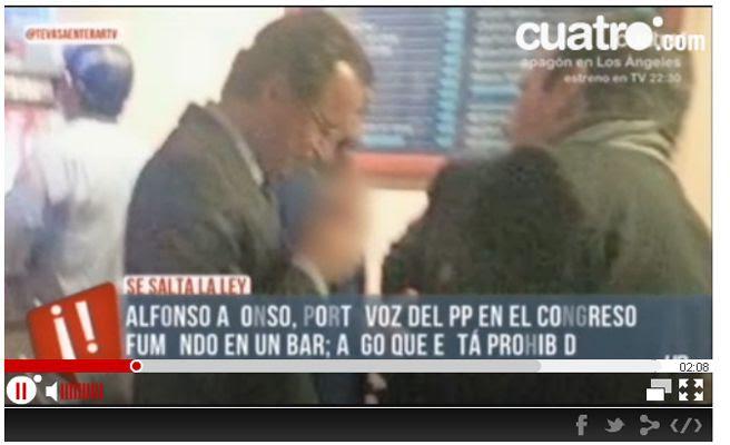 Alfonso Alonso infringe la Ley Antitabaco fumando en un bar junto al Congreso