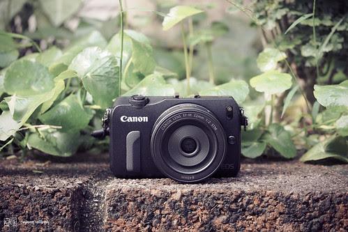 Canon_EOS_M_something_01