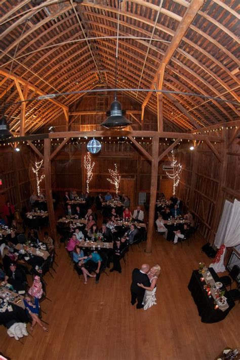 Everal Barn and Homestead Westerville Ohio   Wedding