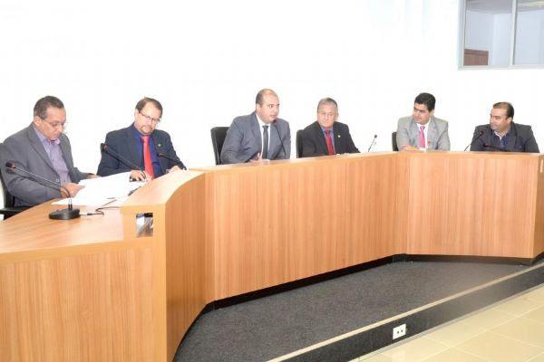 """CPI das OSS é instalada e relator diz que modelo foi """"cheque em branco"""" a Pedro Henry"""
