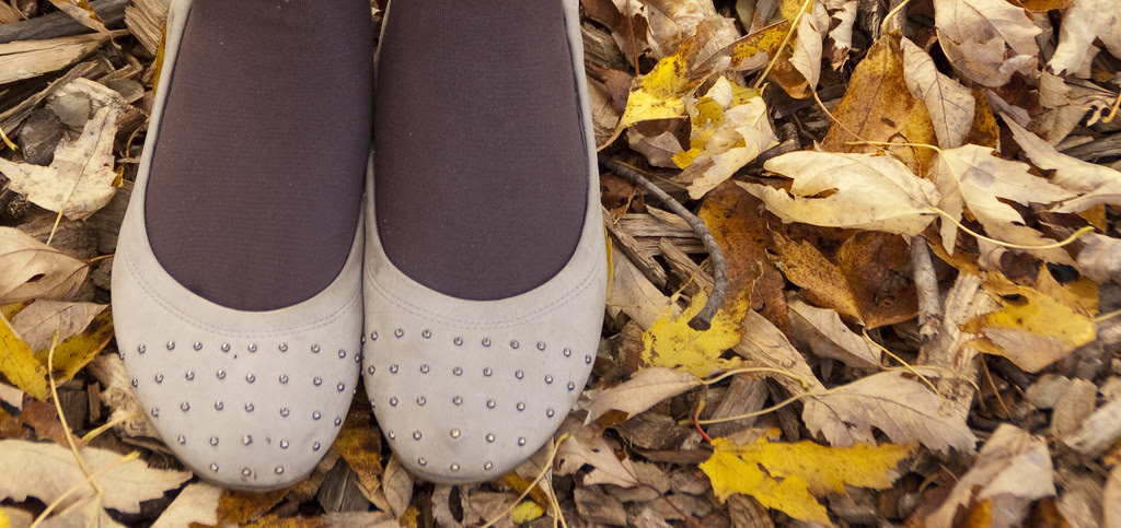 fall outfit, sweater, dress, detail, how to pack