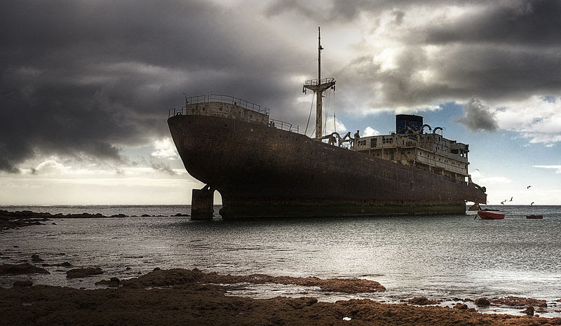 File:2008-12-15 Lanzarote Wreck.jpg