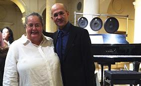 María de Alvear y Ángel Agrela en la presentación del CD de música contemporánea Equilibrio