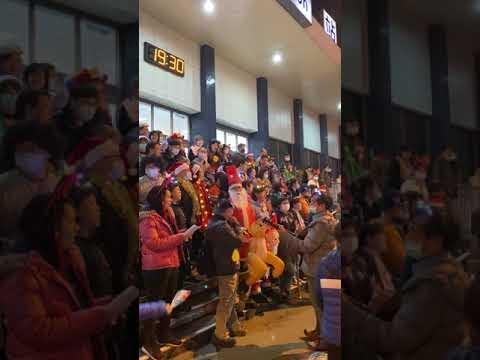 2020中壢基督長老教會於聖誕節在中壢車站唱聖歌