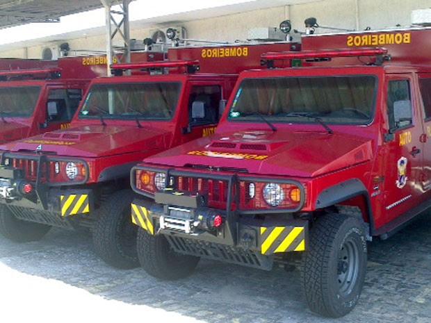 Carros estão parados na garagem do Corpo de Bombeiros há dez meses (Foto: Divulgação/Corpo de Bombeiros)
