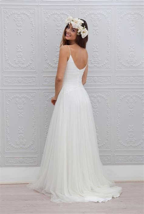 Beach Wedding Dresses Made to Perfection   Spring/Summer