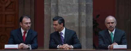 Videgaray, Peña y Oliva en Palacio Nacional. Foto: Miguel Dimayuga