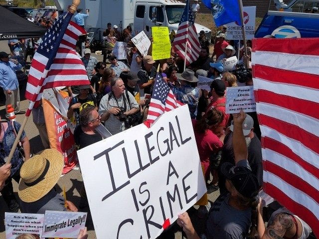 http://media.breitbart.com/media/2015/01/border-protest-AP-640x480.jpg