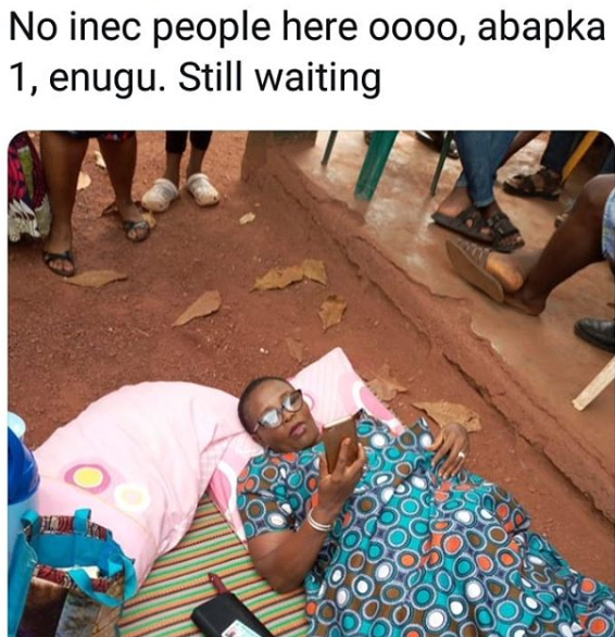 #NIGERIAVOTES: Enugu woman brings her mat and pillow to her polling unit to wait for INEC officials