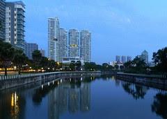 The spectacular Kallang Canal.